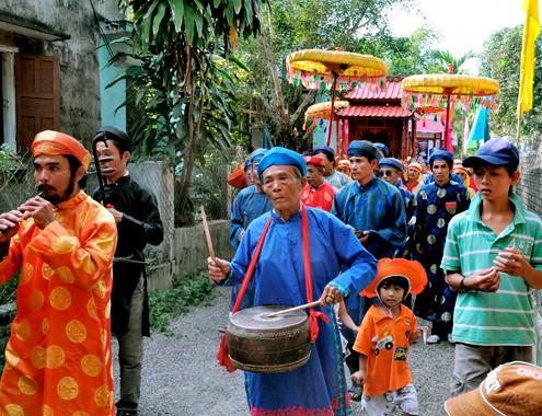 Tham gia le ruoc ngu - Du lich Nam Phuong